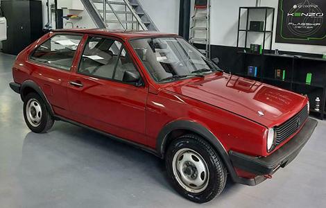 VW Polo uit 1985 rood